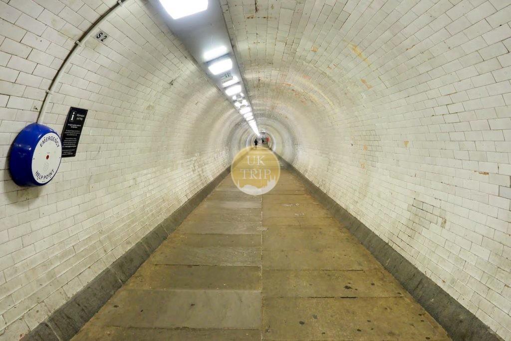 グリニッジの地下トンネル